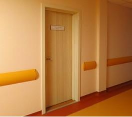 Двери в процедурные комнаты